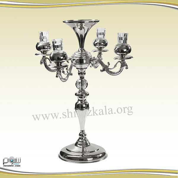 تصویر شمعدان ۴ شاخه نقره ای بدون گل