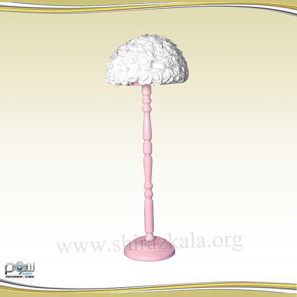 تصویر پایه گل صورتی با گل رز سفید
